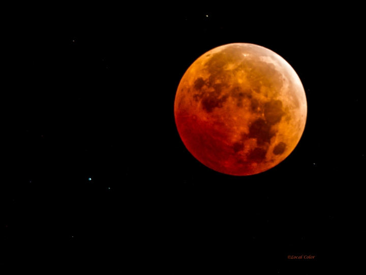 20141008-Lunar-Eclipse-with-Uranus-web